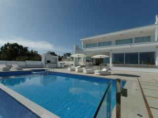 Charming Villa with Dishwasher and Kettle - Protaras vacation rentals