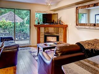 Valhalla 2 bdrm, sleeps 8, Quiet setting just steps from the action! - British Columbia vacation rentals
