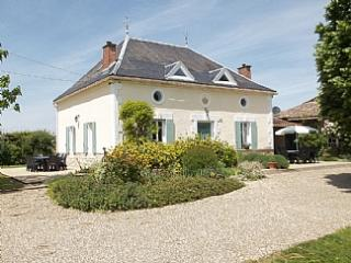 LUXURY FARMHOUSE FOR 2 – 8 & PRICED ACCORDINGLY - Velines vacation rentals