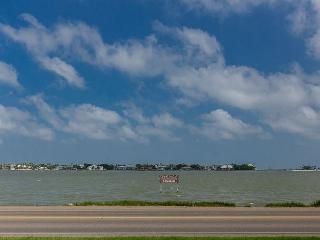 Great Home on Little Bay with incredible views of the water & close to town! - Rockport vacation rentals