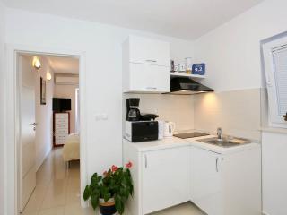 Studio apartment close to the beach - Zadar vacation rentals