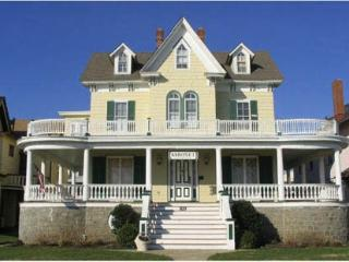 Condo across from beach 126970 - Cape May vacation rentals