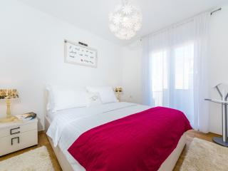 Classy & Cozy Central Apt., Zadar - Zadar vacation rentals