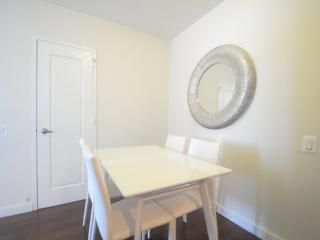 3 bedroom Apartment with Internet Access in Long Island City - Long Island City vacation rentals