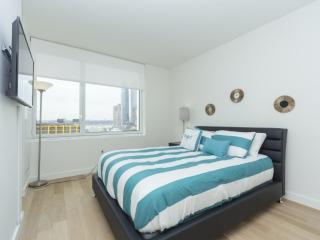2 bedroom Condo with Internet Access in Weehawken - Weehawken vacation rentals