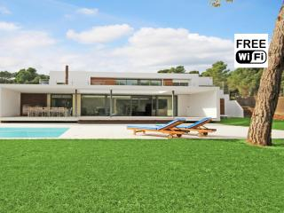 Exclusive villa 100m. from the beaches of Empurias - L'Escala vacation rentals