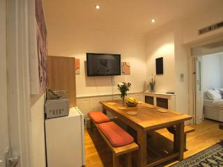 Covent Garden Guesthouse  (A) - London vacation rentals