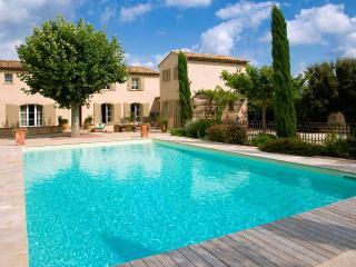 Villa Des Anges, Sleeps 8 - Eygalieres vacation rentals
