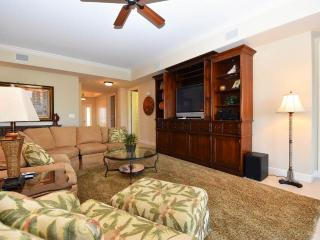 Gorgeous Condo with Internet Access and Dishwasher - Destin vacation rentals