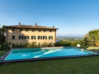 Charming 8 bedroom Villa in Pietrasanta with A/C - Pietrasanta vacation rentals
