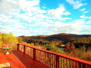 Eagles Nest is perched on the side of a mountain with very nice scenic views of Norris Lake. - New Tazewell vacation rentals