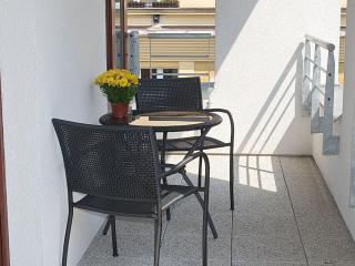 Musilkova apartment in Smíchov with WiFi, privéparkeerplaats, privéterras - Prague vacation rentals