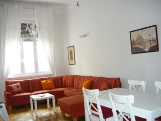 Strauss apartment in V Belváros with WiFi & lift. - Budapest vacation rentals