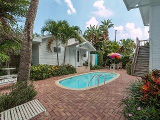 Cozy House with Internet Access and Shared Outdoor Pool - Clearwater Beach vacation rentals