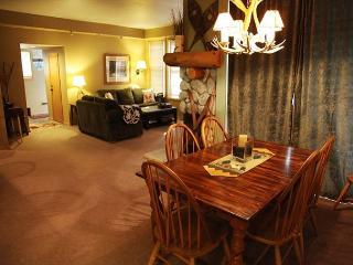 Spacious 2 Bedroom/2 Bathroom in Snowcreek Phase 5! - Mammoth Lakes vacation rentals