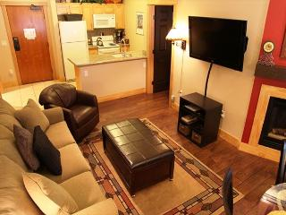Beautifully upgraded ski-in, ski-out, 2 bed, 2 bath at Sunstone Lodge - Mammoth Lakes vacation rentals