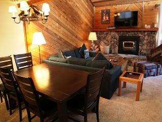 Corner Unit, 3 Bed + Loft/4 Bath, Private Bath in Every Bedroom, WiFi - Mammoth Lakes vacation rentals