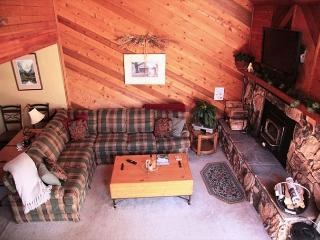 2 Bed + Loft/3 Bath, Near Golf Course, On Shuttle Route, Great Location - Mammoth Lakes vacation rentals