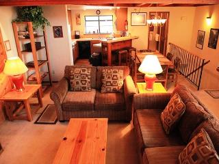 2 Bedroom + Loft / 3 Bathroom, Sleeps 8, Wireless Internet, On shuttle Route - Mammoth Lakes vacation rentals