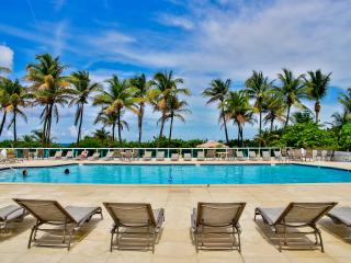Modern 1BR Suite, Oceanfront building with pool - Miami Beach vacation rentals