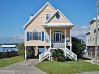 'Southern Breeze' Beach + Lagoon w Pier 5 BD Family Home - Gulf Shores vacation rentals