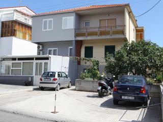 Bright 2 bedroom Trogir Apartment with Internet Access - Trogir vacation rentals