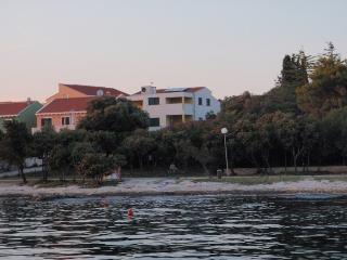 7148  A4 Plavi (2+1) - Petrcane - Petrcane vacation rentals