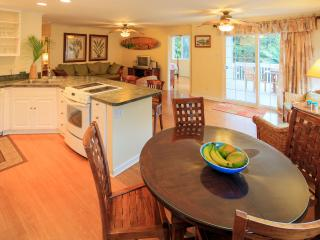 Beachfront Villa on Oahu's Famous North Shore - Haleiwa vacation rentals