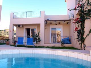 Pretty villa 100mtbeach,shared pool,1 bedroom,WiFi - Nopigia vacation rentals