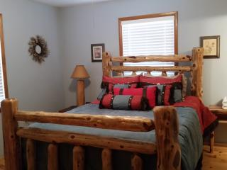 4 Bedroom Cabin Minutes to State Park and Marina - Broken Bow vacation rentals