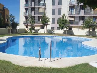 Apartement w/ Garage, 10 min to Centre, Wi-Fi - Seville vacation rentals