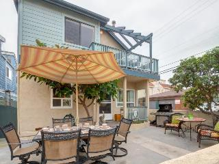 Dog-friendly, beach-side home stocked w/beach toys & bikes! - San Diego vacation rentals