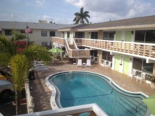 Nice House with Deck and Internet Access - Deerfield Beach vacation rentals
