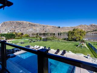 Lakefront home with private pool, hot tub, wet bar, and amazing views! - Orondo vacation rentals
