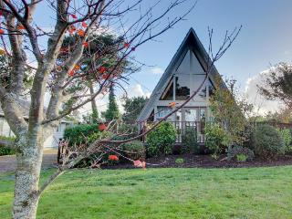 Charming A-Frame house with entertainment, easy beach & golf access! - Gearhart vacation rentals