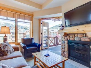 Modern rustic condo w/shared hot tub & pool - close to slopes! - Copper Mountain vacation rentals