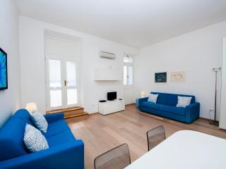 AL PORTO One-Bedroom Apartment with Sea View - Rovinj vacation rentals