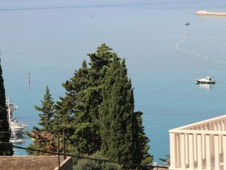 Nice Apartment with Television and Satellite Or Cable TV - Omis vacation rentals