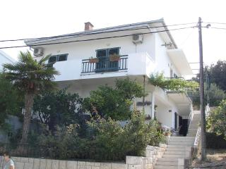 Romantic 1 bedroom Gradac Apartment with Internet Access - Gradac vacation rentals