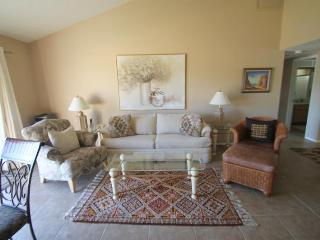 Gorgeous Condo with Internet Access and Grill - Palm Desert vacation rentals