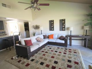Perfect Condo with Internet Access and Grill - Palm Desert vacation rentals