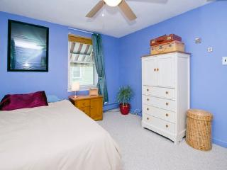 Room with Full Bed For 1 OR 2 Near Philadelphia! - Woodbury vacation rentals