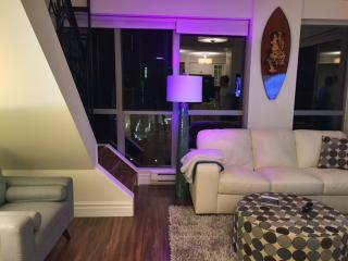 Nice Condo with Internet Access and A/C - Vancouver vacation rentals