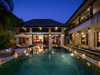 VILLA AMMAN - 300m FROM SEMINYAK SQUARE, 24 SECURITY, DAILY BREAKFAST - Legian vacation rentals