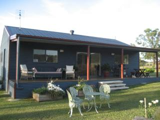 Perfect 2 bedroom Lodge in New South Wales with A/C - New South Wales vacation rentals