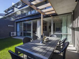 Hallenstein Garden Apartment - Queenstown vacation rentals
