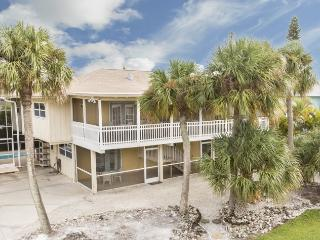 Sun Castle, our large Key West Style Family Vacation home with Private Pool and Hot Tub, All new decor, wood floors and Granite Kitchen - Code: Sun Castle - Fort Myers Beach vacation rentals