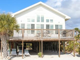 Direct Beachfront Cottage with Large Gulf View Deck and Shared Heated Pool - Fort Myers Beach vacation rentals