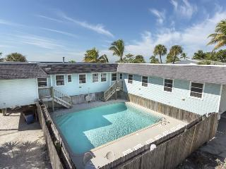 Nicely decorated Duplex with a spectacular view of the Gulf of Mexico. - Code: Seagull Duplex - Fort Myers Beach vacation rentals