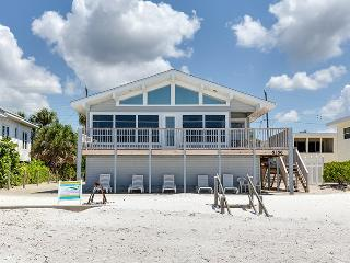 Delightful Open Concept Beachfront Getaway with wall to wall views! - Code: Seabreeze Cottage - Fort Myers Beach vacation rentals